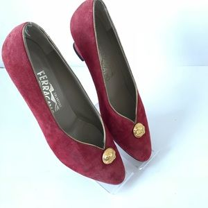 SALVATORE FERRAGAMO Red gold suede block vintage